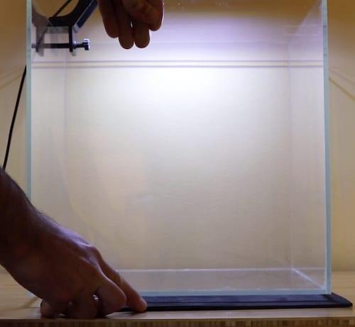 Leveling mat for aquarium.